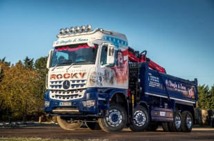 Fuel-efficient Mercedes-Benz Arocs and Rygor Commercials