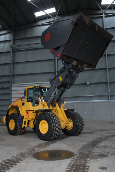 new Volvo 25 tonne loading shovel