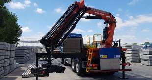 B&B Attachments Provides Handling Solutions for G.R Wade & Son Limited