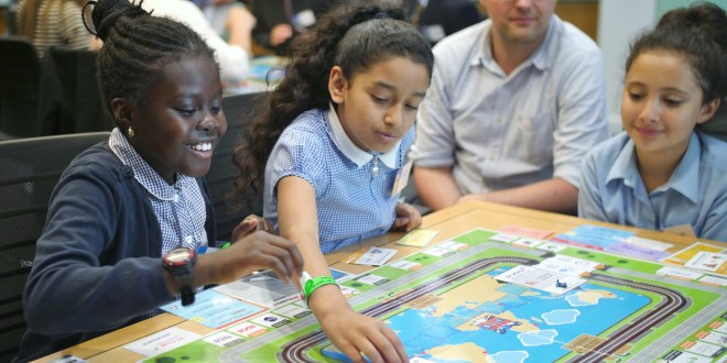 Jungheinrich supports new Global Edition board game to promote supply chain learning