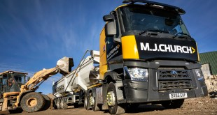 USED TRUCKS BY RENAULT TRUCKS FULL PACKAGE SEALS THE DEAL WITH MJ CHURCH