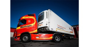 NEW SCHMITZ CARGOBULL EXECUTIVE TRAILERS ARE THE LOGICAL CHOICE FOR MANFREIGHT