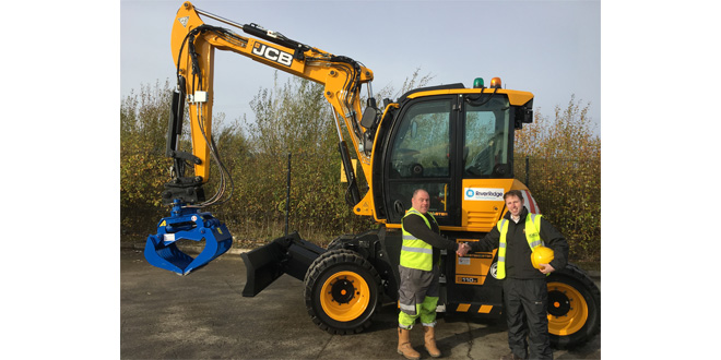 JCB Hydradig is RiverRidge go to machine