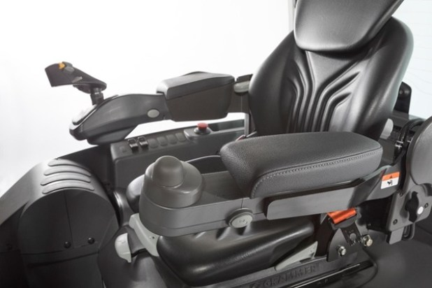 TCM FB Electric 3-4 Wheel Counterbalance Truck Ensures Operator Comfort