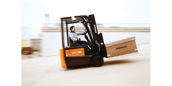 Doosan to debut two new tough electric truck ranges at IMHX