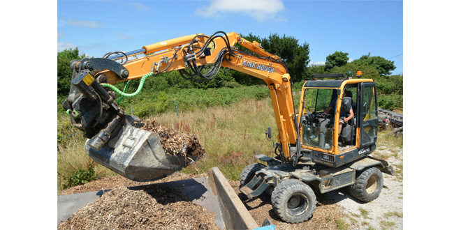 Duck-in and Diving – new wheeled Hyundai for Cornish Plant man!