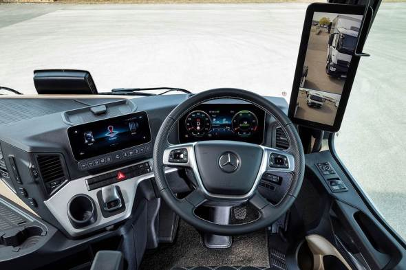 New Mercedes-Benz Actros cab view