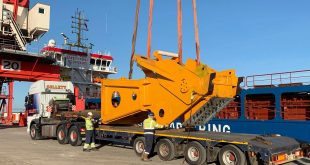 Collett Deliver the Worlds Largest Crane