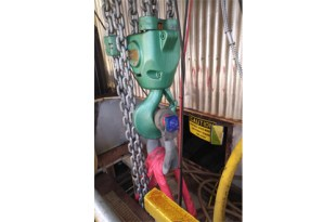 SP Load Shackles and Air Hoists for Exchanger Installations at Refinery