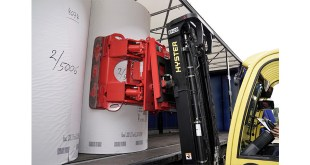 NEW HYSTER LIFT TRUCK SOLUTION SIMPLIFIES LOADING TRAILERS WITH PAPER REELS
