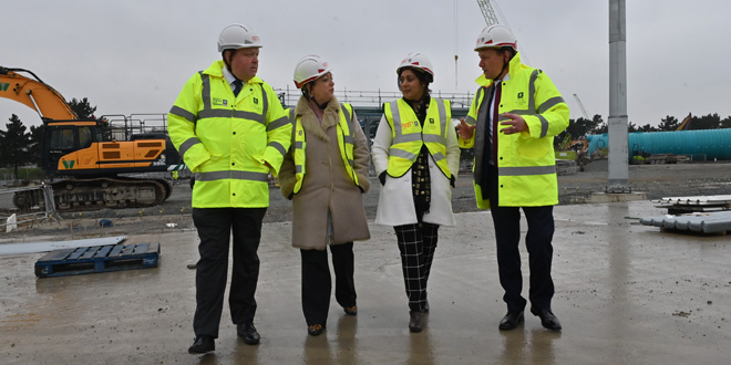 Maritime Minister visits new port Tilbury2 to see progress
