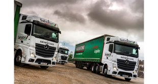 Salvatori enters a new era by welcoming its first eight Mercedes-Benz Actros from Sparshatt Truck