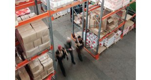 Online sales tax places further strain on warehouse workers warns Midland Pallet Trucks