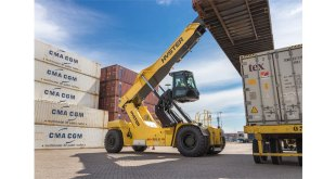 Hyster RS46 ReachStacker has won the Safety award at the FLTA Awards for Excellence 2020