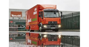 WARBURTONS FIRST 16 TONNE 100 PERCENT ELECTRIC TRUCK GOES ON THE ROAD