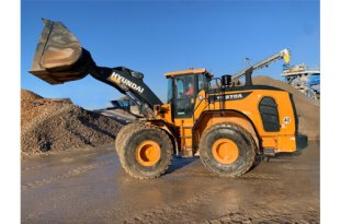 French Connection - Poullard takes delivery of its first HL970A Wheel Loader