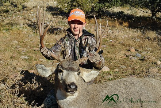 LG gets her 4x3 buck on the last day of the hunt.