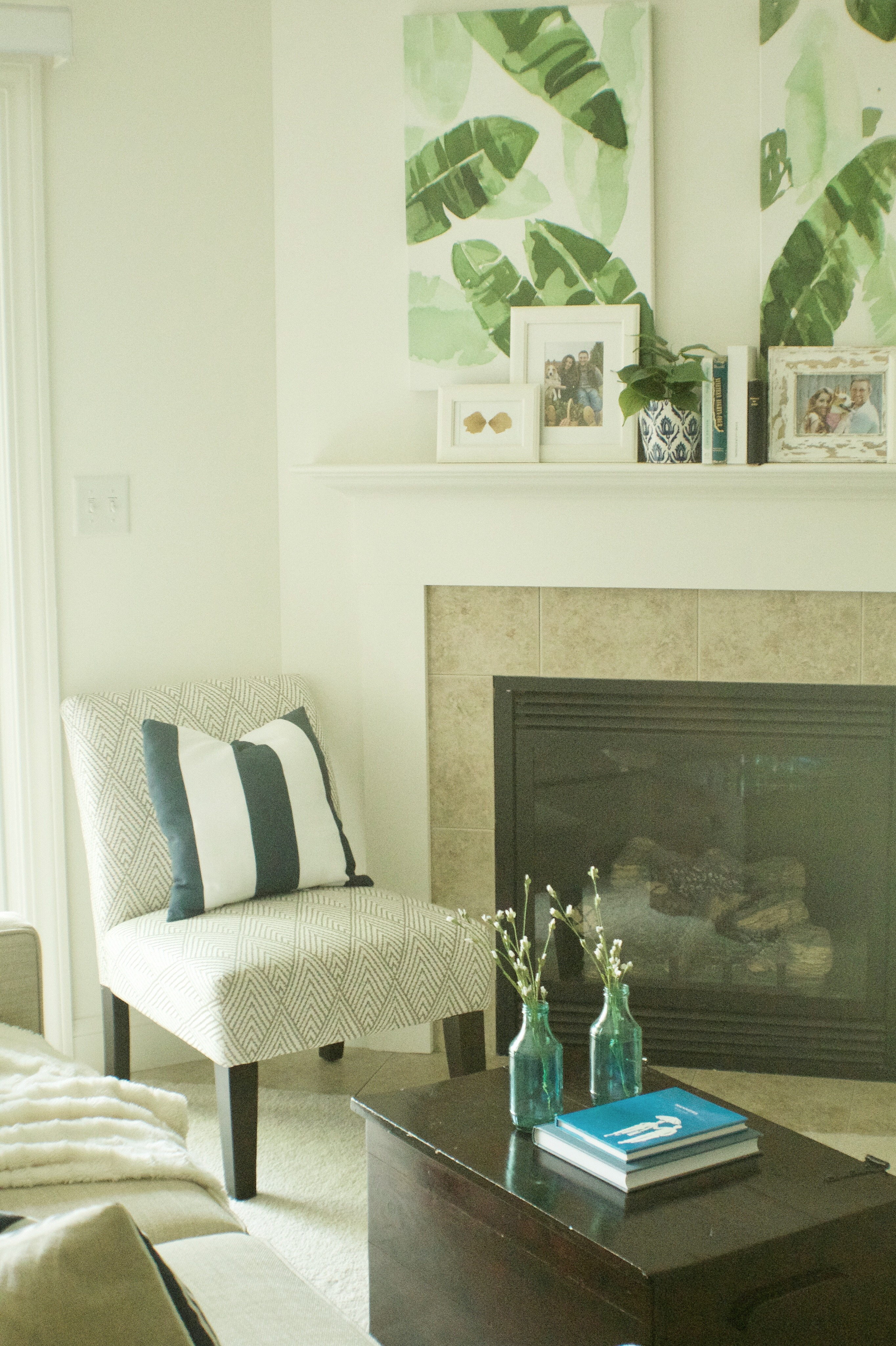My Top 3 Tips for Decorating a Small Apartment Living Room ...