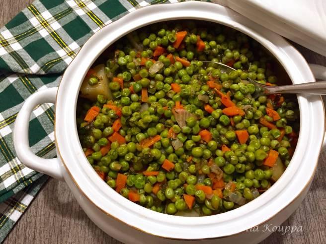 Stewed green peas