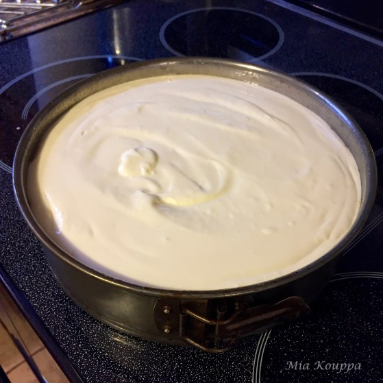 Cheesecake ready to bake