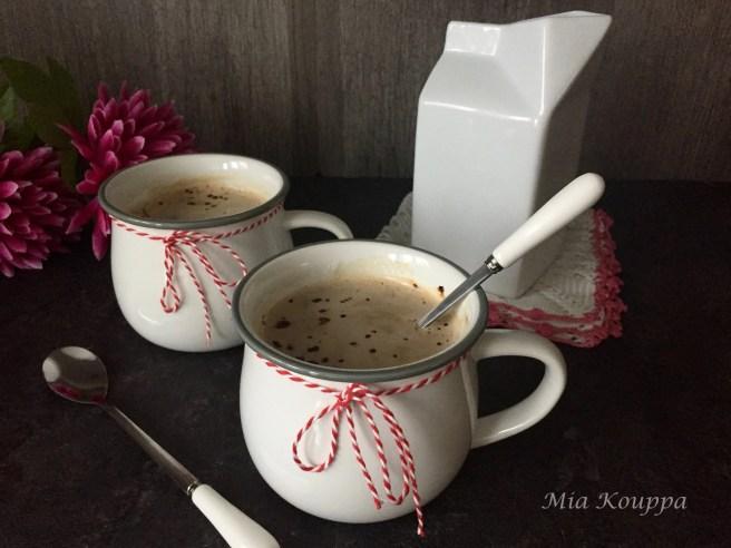 Milk and coffee (Γάλα με καφέ)
