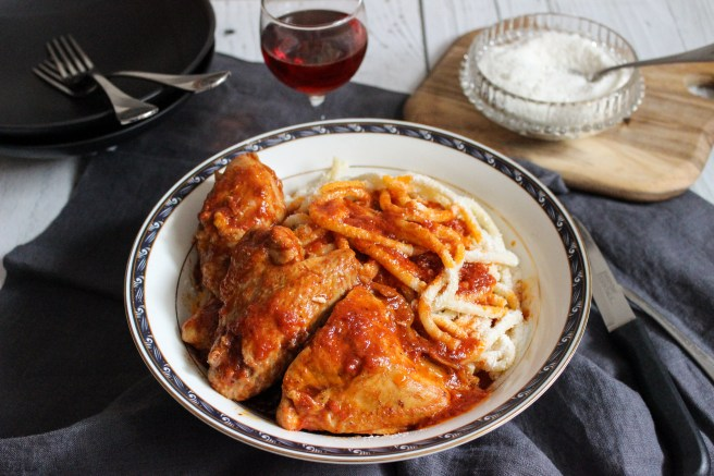 Chicken kokkinisto with pasta