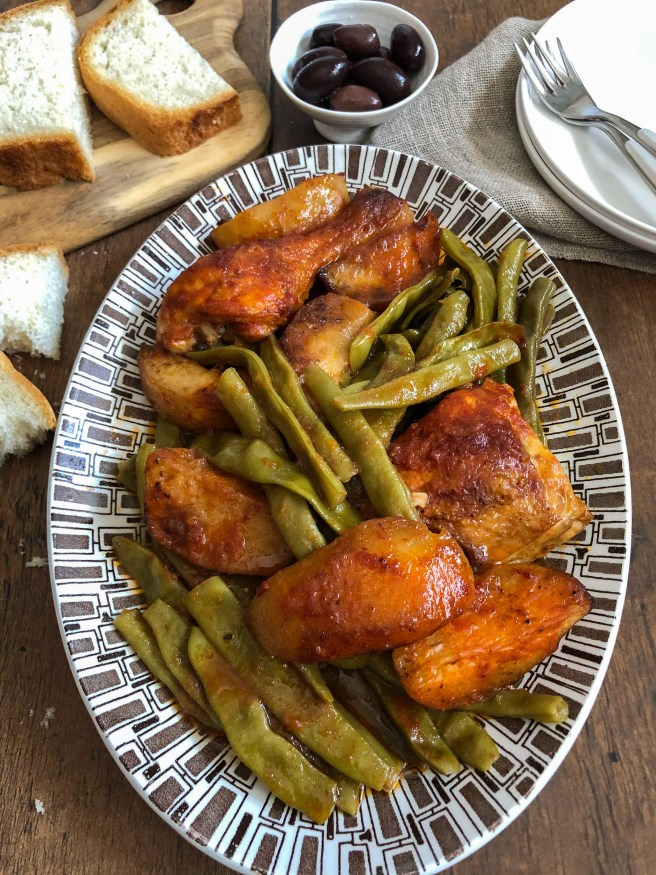 Green beans baked with chicken and potatoes