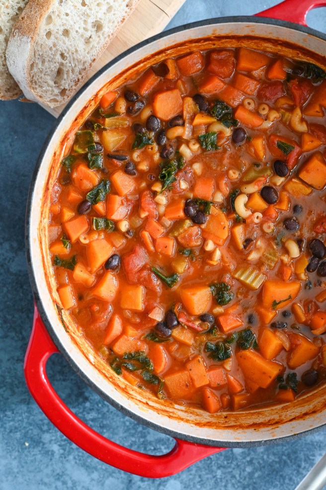 The easiest and best vegetable minestrone soup recipe with beans and pasta.