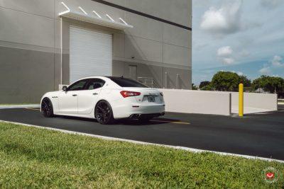 Maserati-Ghibli-Vossen-Forged-M-X3-©-Vossen-Wheels-2018-1005-1047x698