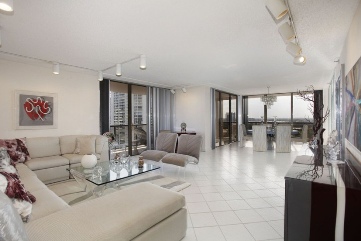 Turnberry Isles South 19D
