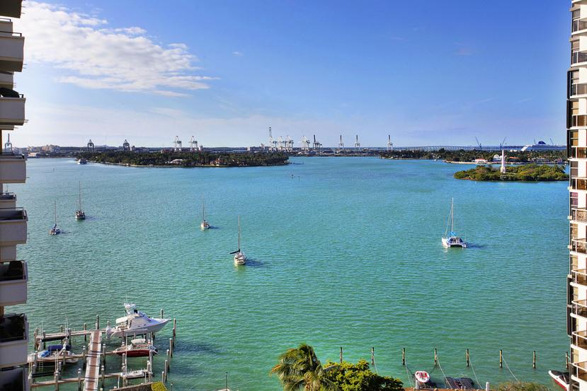 Costa Brava Miami Beach 1407