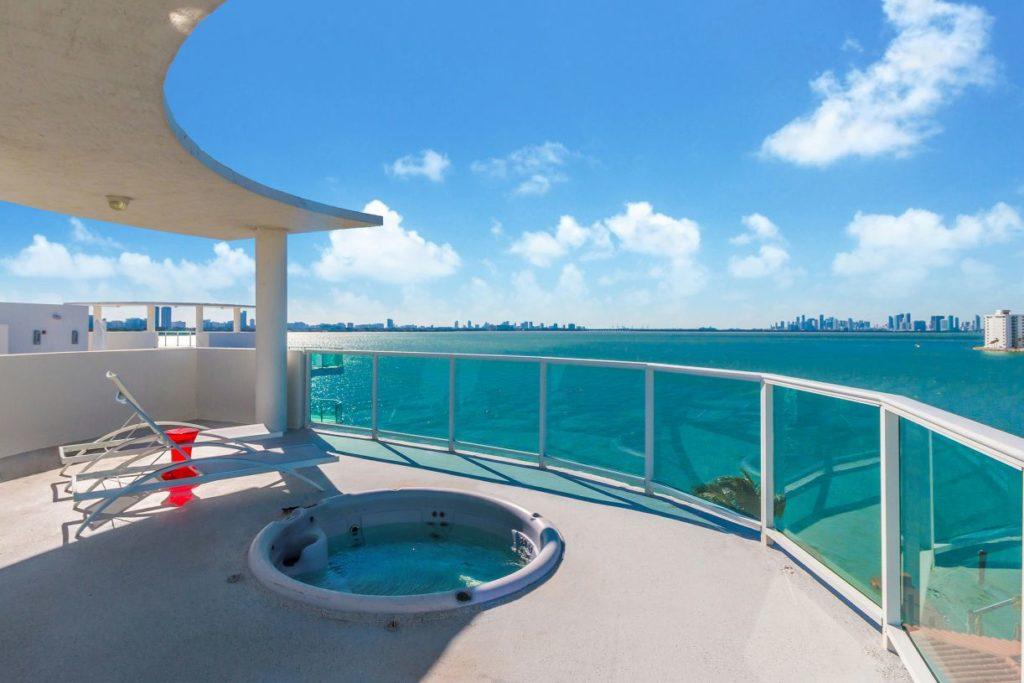 Baylights Penthouse (2012) Miami Beach