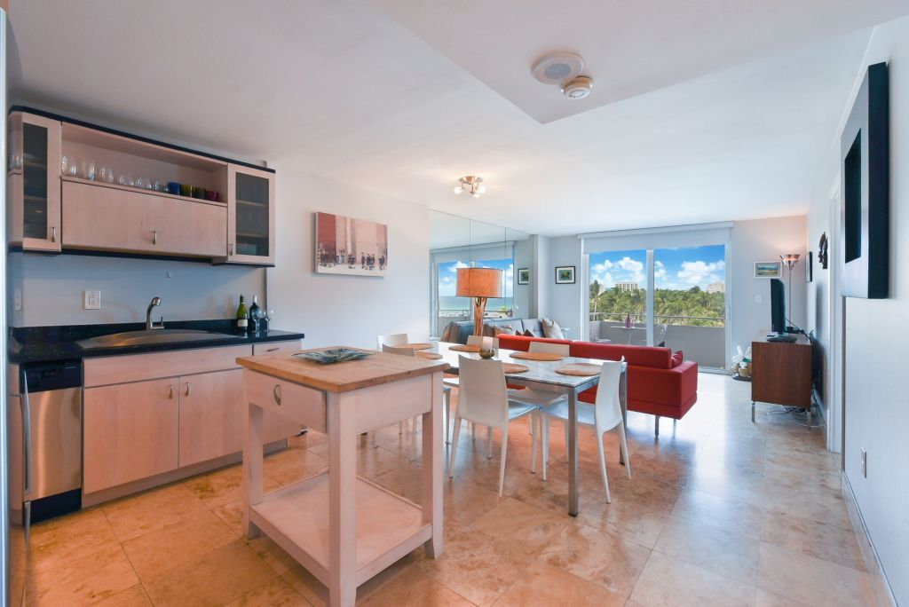 Royal Atlantic 519 Miami Beach Condo
