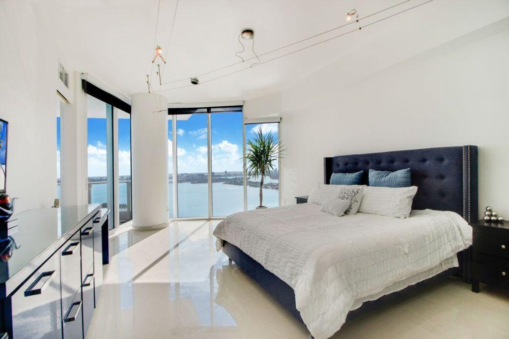 Paramount Bay #3801 Main Bedroom