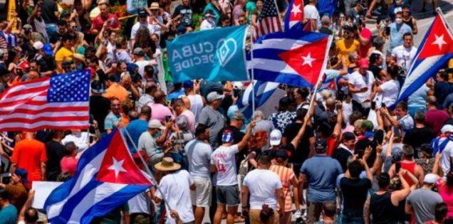 """Cubanos de Miami mostraron su apoyo a los de la isla """"no están solos"""""""