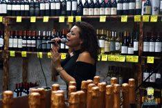 Happy Wine - Singer