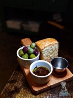 Erba - Focaccia and Olives