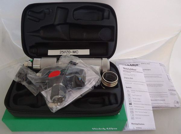 Welch Allyn Otoscope 3.5V Diagnostic Set #25070-MC with Convertible Handle2