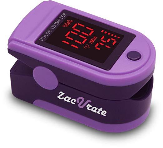 Zacurate Pro Series 500DL Dedo Oxímetro de pulso Monitor de Saturação de Oxigênio No Sangue com tampa de silicone, baterias e cordão (Roxo Real)