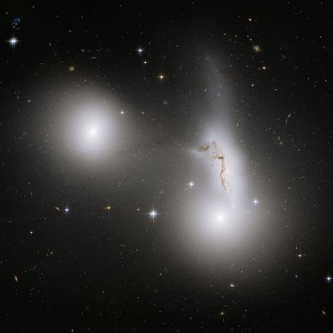 Fusion de 3 Galaxias