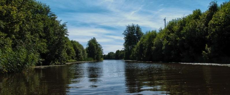 Leveä alkumatkan joki