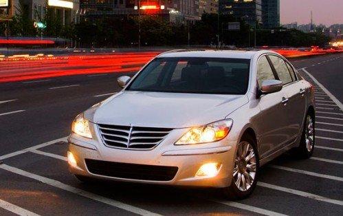 09-genesis-sedan-lights-580