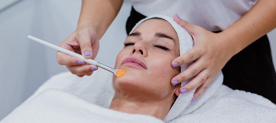peeling químico facial en sevilla