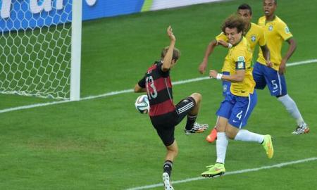 Gol de Müller vs Brasil Mundial 2014