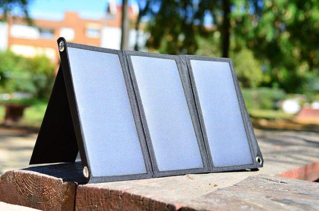 aukey cargador solar