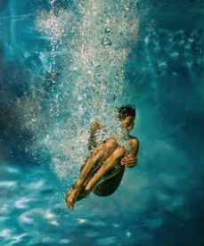 girl_in_water_pool_oil_painting