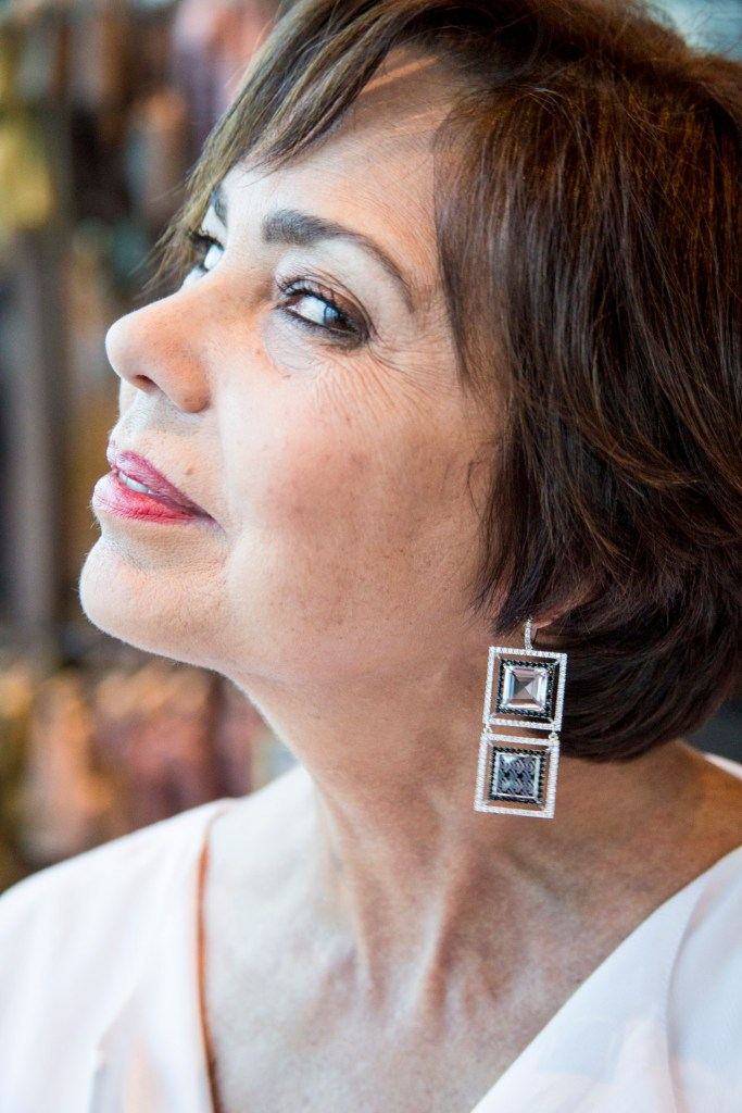 chuky- reyna- miami- fashion-blogger-wearing-magama-earrings-grateful-thanksgiving