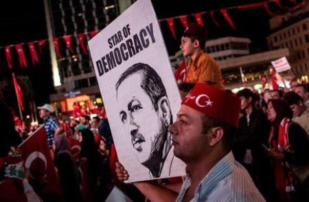 erdogan-stern-der-demokratie