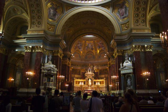 Базилика Св. Иштвана, интерьер