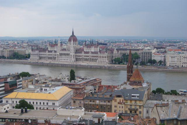 Здание парламента, вид с Крепостной горы